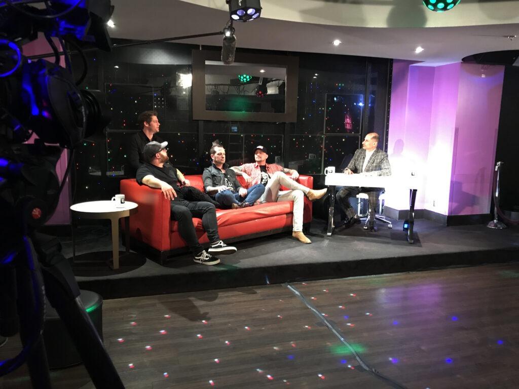 David and Mo Jiles on set